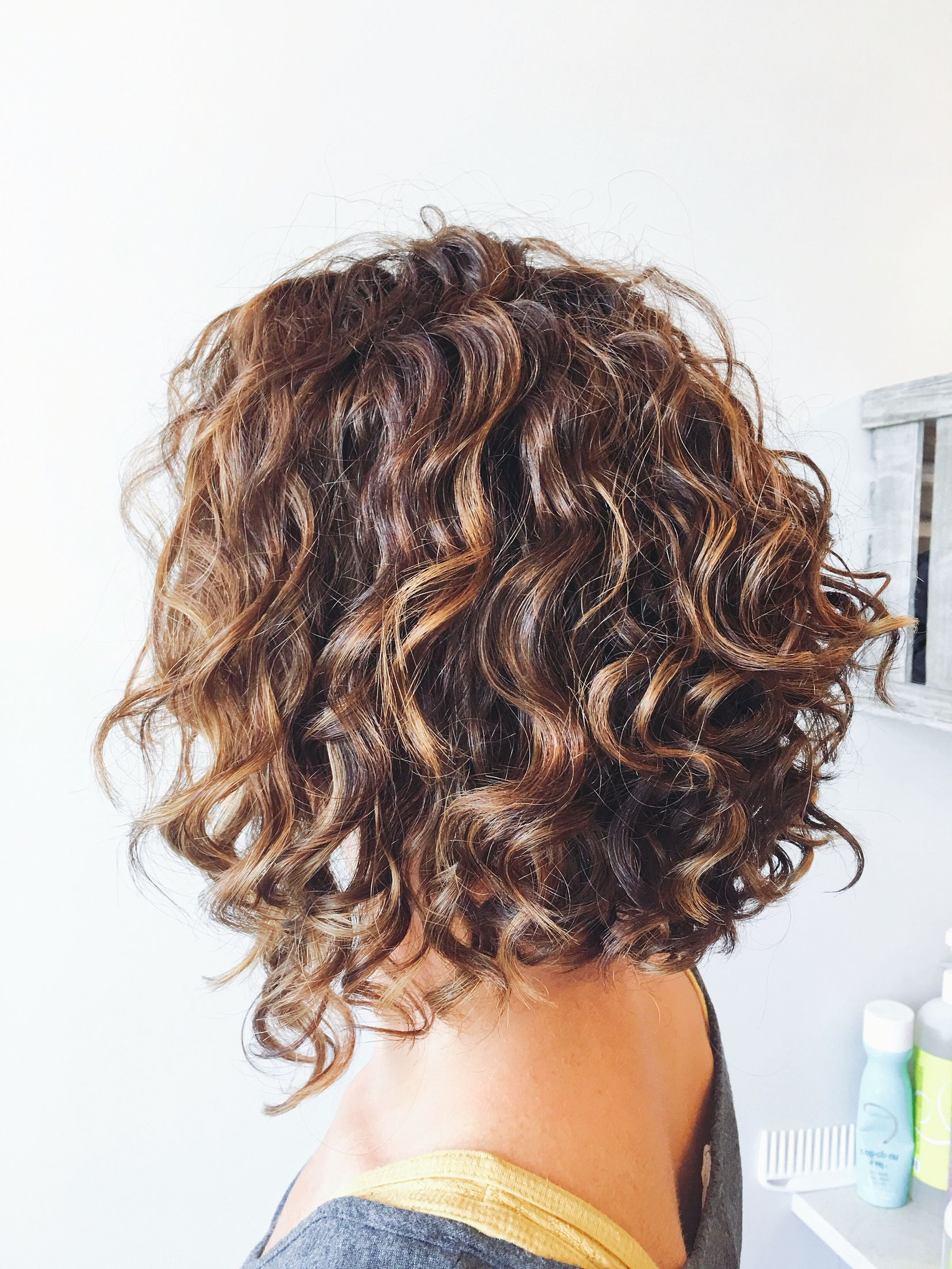 Widely Used Layered Wavy Lob Hairstyles Throughout Alex Spa Hair Chalk Salon (View 19 of 20)