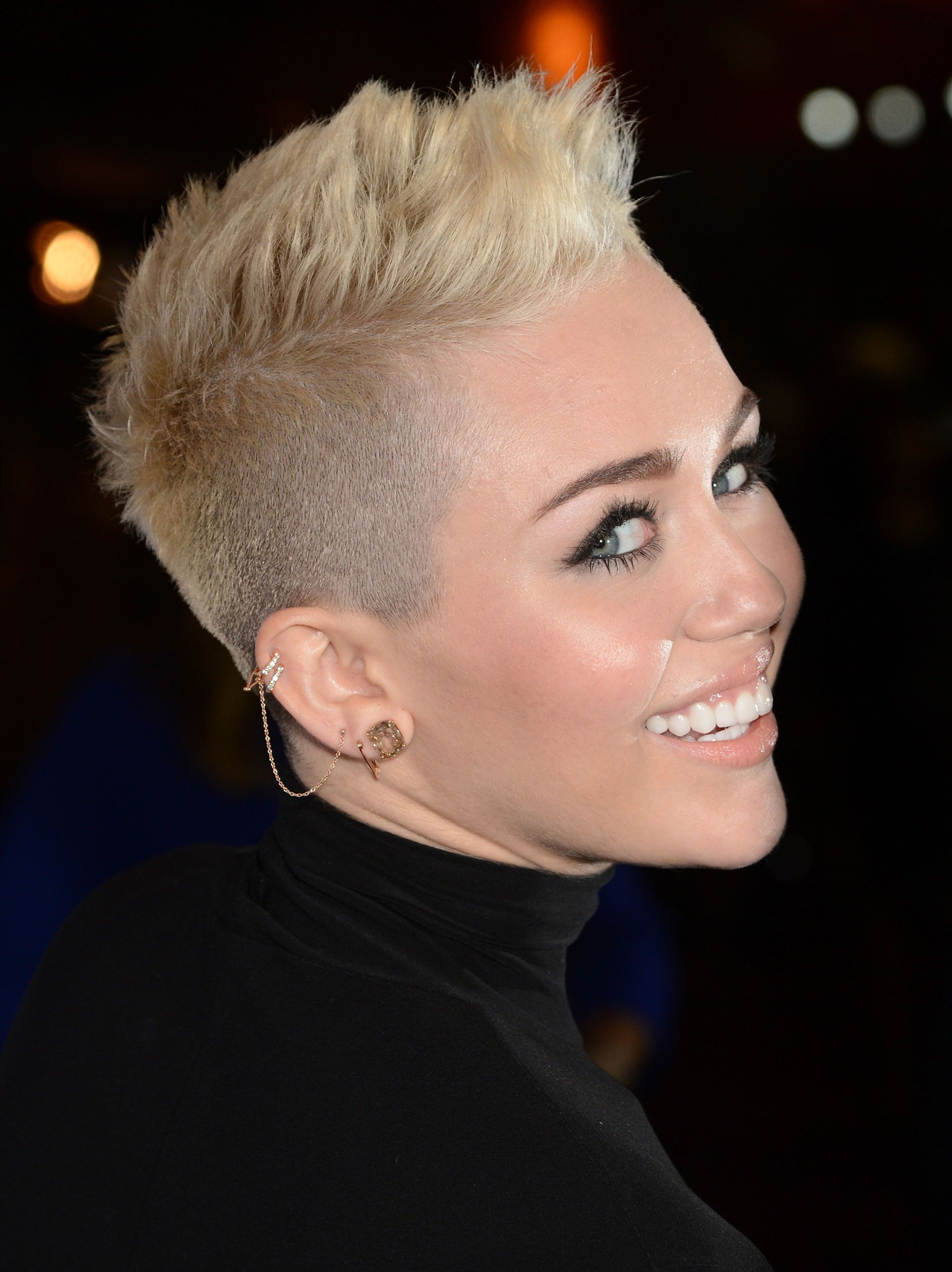 Featured Photo of Mohawk Hairstyles With Length And Frosted Tips