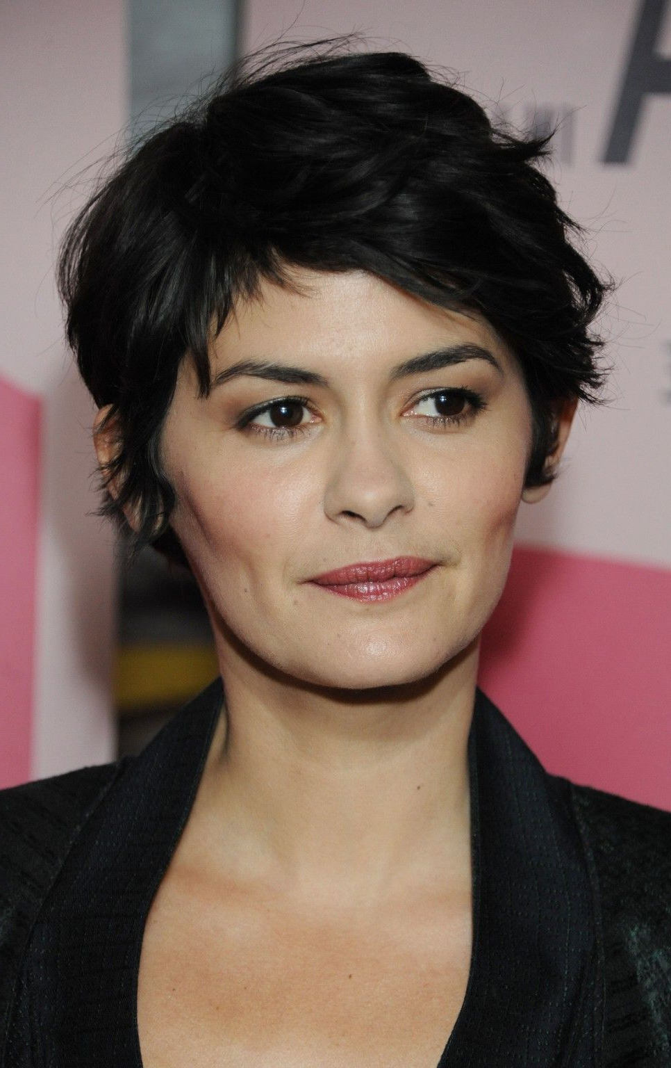 Womens In Newest Audrey Tautou Medium Haircuts (View 17 of 20)