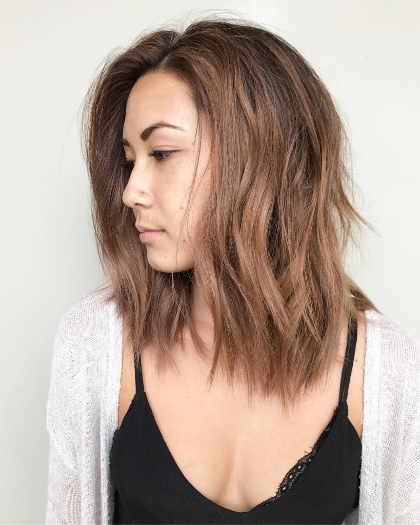 Women's Light Rose Brown Lob With Seamless Layers And Soft Tousled With Regard To Current Tousled Medium Hairstyles (View 20 of 20)