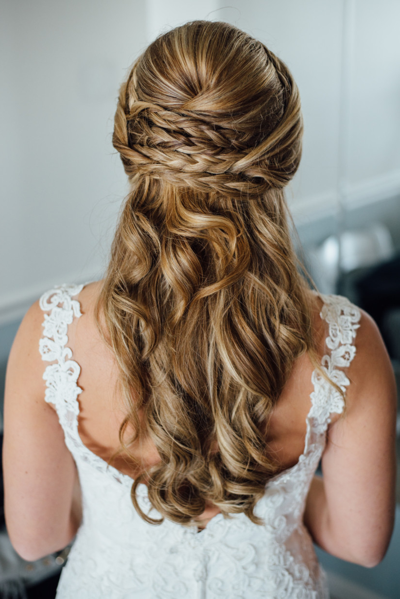 10 Summer Wedding Hairstyles You'll Love – Weddingwire Intended For Well Known Delicate Curly Updo Hairstyles For Wedding (View 1 of 20)