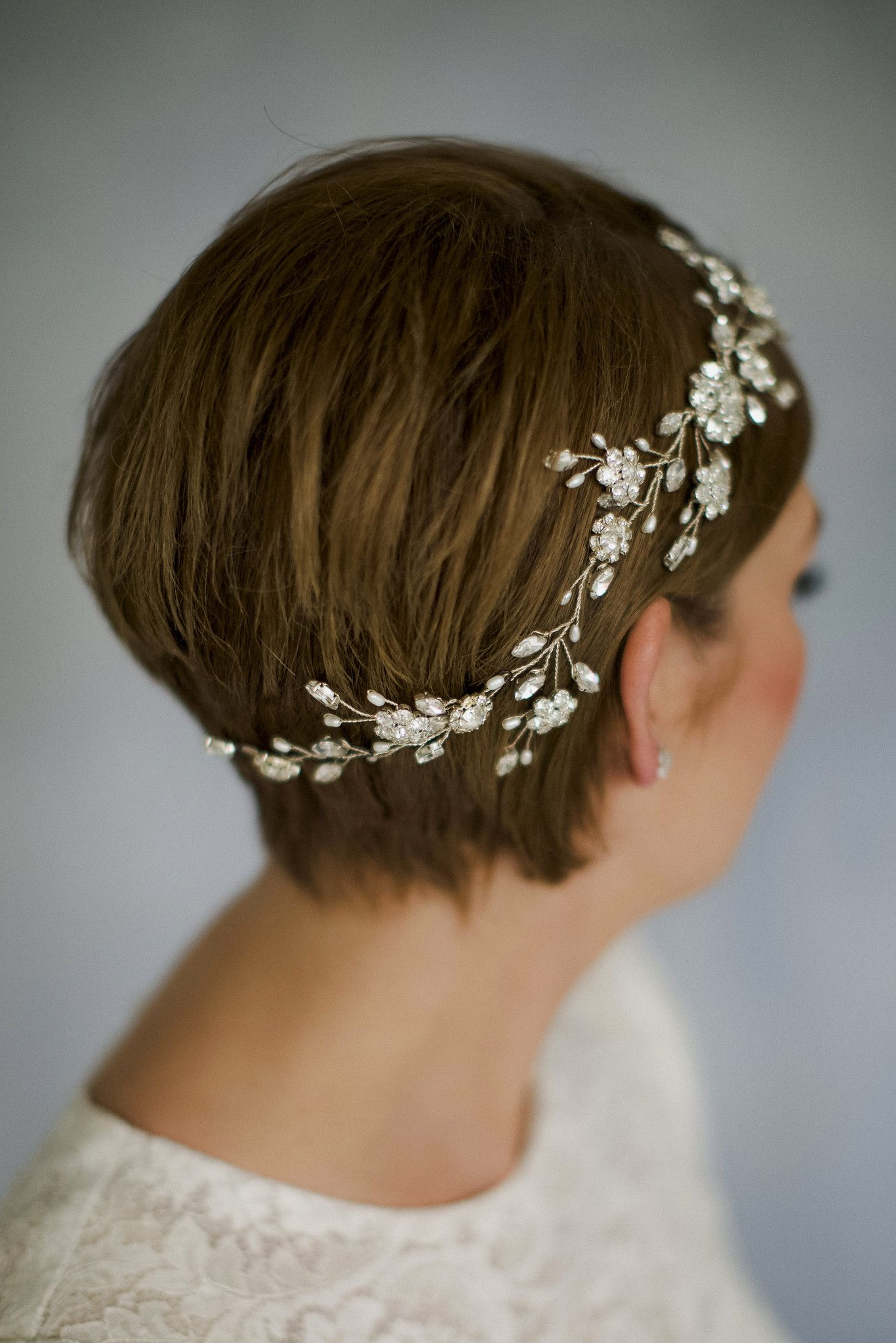 2018 Short Wedding Hairstyles With A Swanky Headband Regarding Sparkling Swarovski Crystal And Pearl Silver Bridal Hair Vine (View 6 of 20)