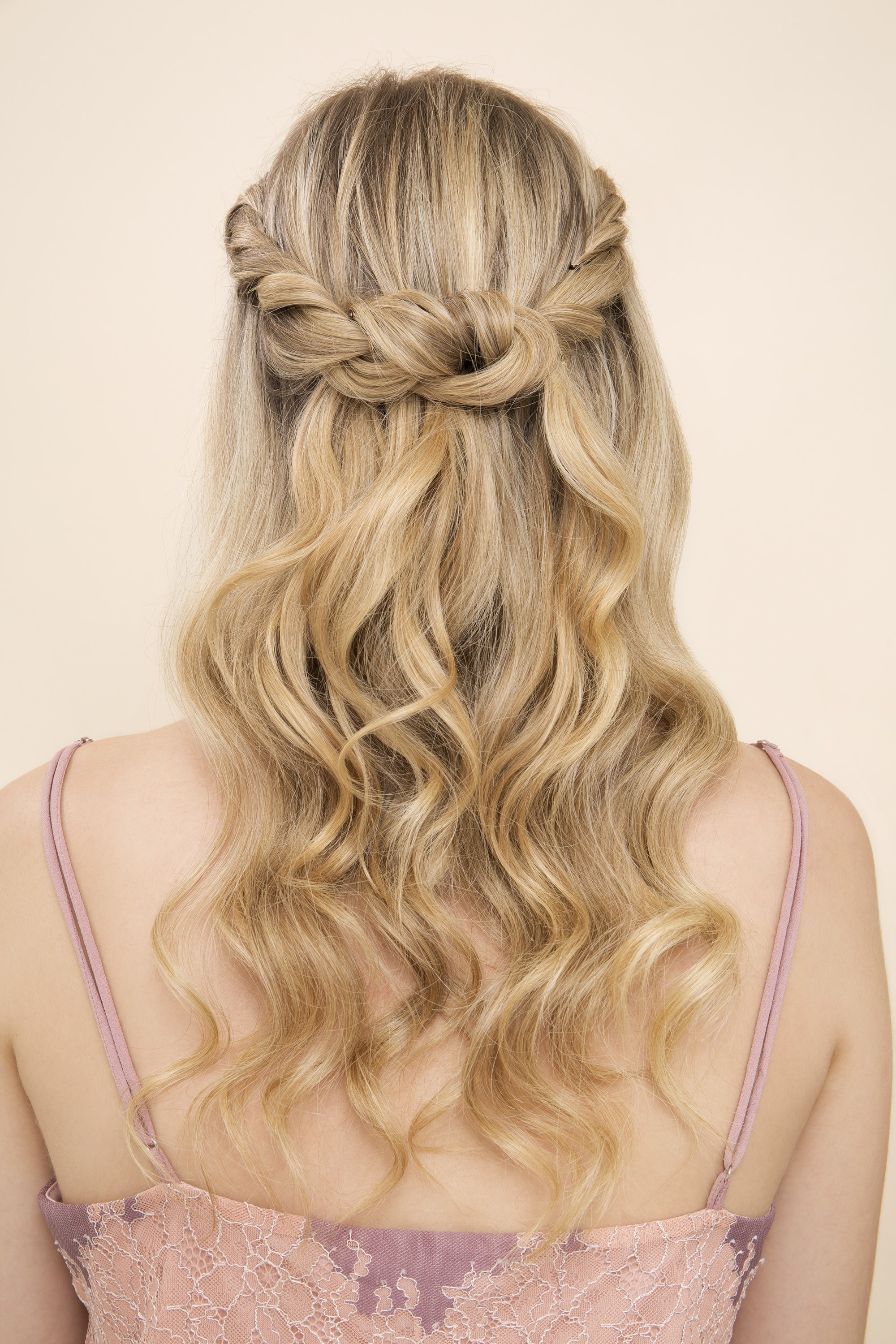 30 Stunning Half Up, Half Down Prom Hairstyles To Copy (View 7 of 20)