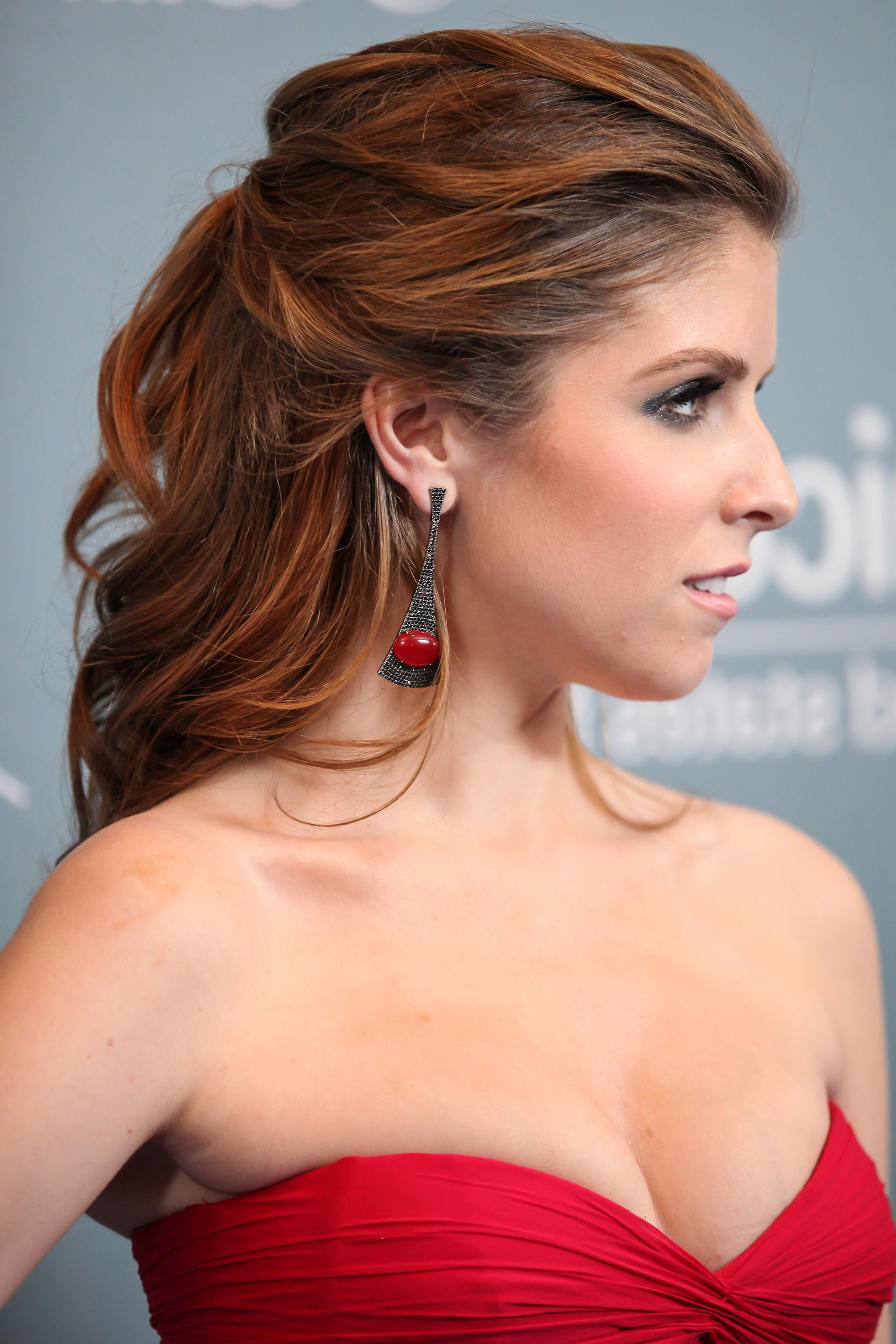 35 Best Half Up Half Down Hairstyles Of 2017 – Half Up Half Down With Famous Pulled Back Half Updo Bridal Hairstyles With Comb (View 3 of 20)