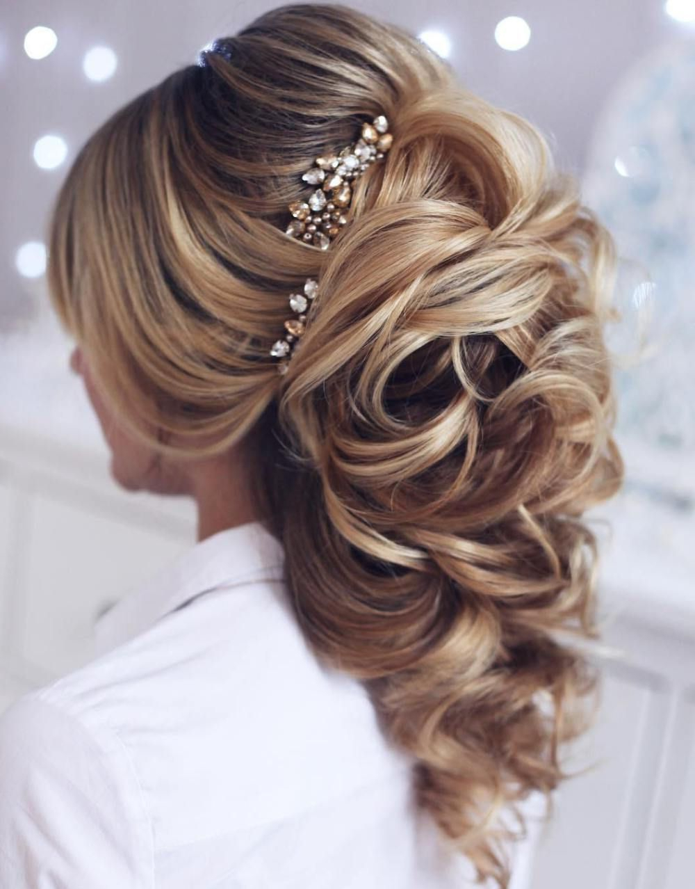 40 Gorgeous Wedding Hairstyles For Long Hair (View 1 of 20)
