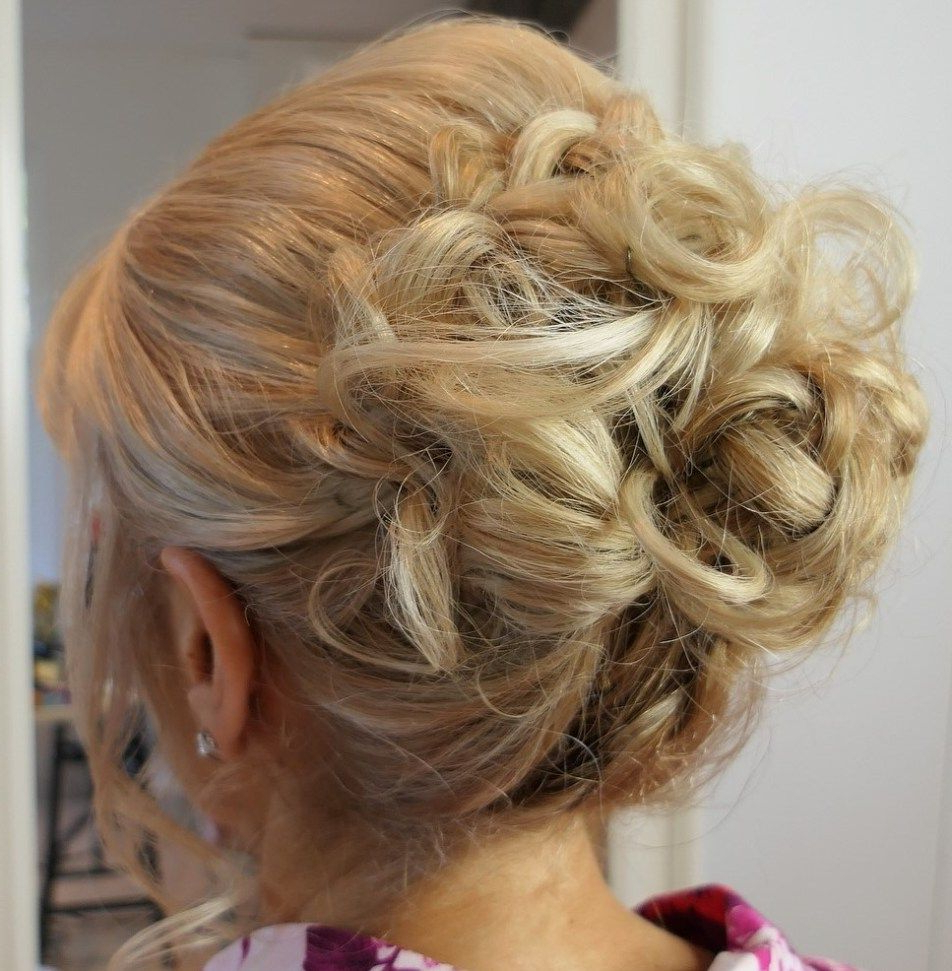 50 Ravishing Mother Of The Bride Hairstyles (Gallery 3 of 20)