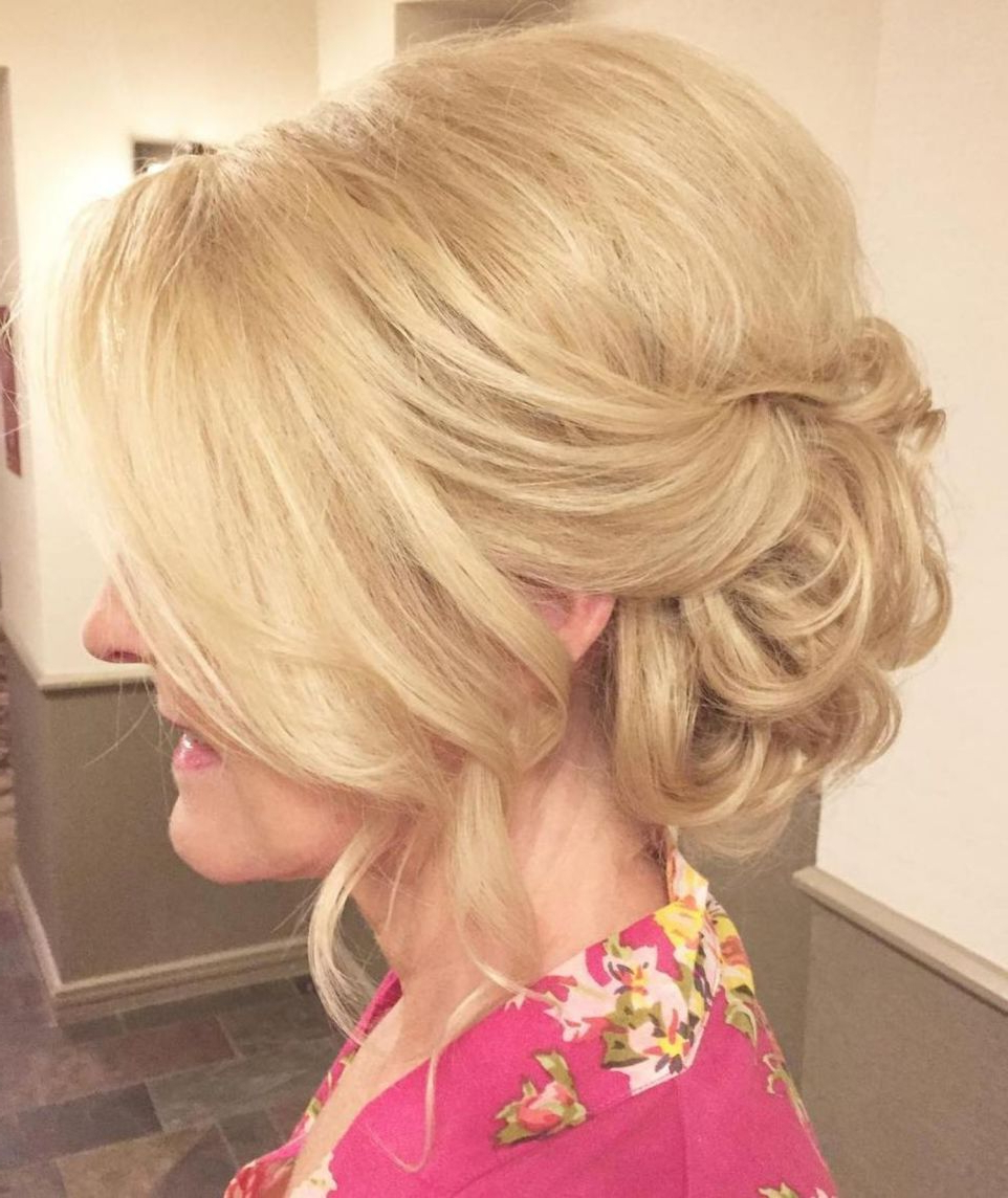 50 Ravishing Mother Of The Bride Hairstyles (Gallery 10 of 20)