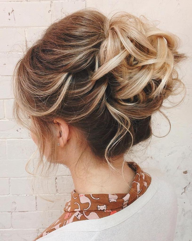 60 Updos For Thin Hair That Score Maximum Style Point In Preferred Large Bun Wedding Hairstyles With Messy Curls (View 8 of 20)