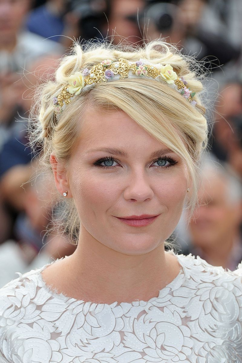 Best And Newest Short Wedding Hairstyles With A Swanky Headband In Messy With Some Floral, Yes (View 4 of 20)