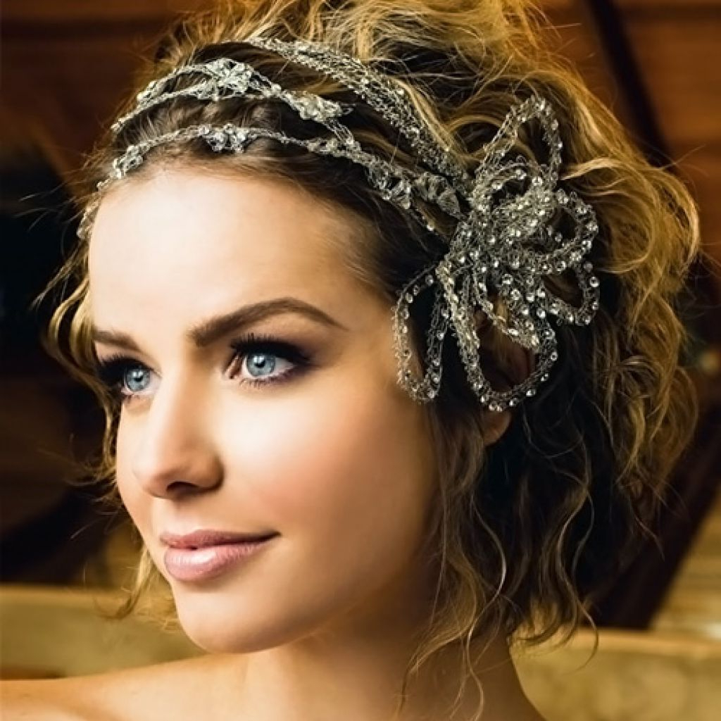 Current Flower Tiara With Short Wavy Hair For Brides Pertaining To Wedding Hairstyle : Wedding Hairstyles For Short Hair Indian And (View 4 of 20)