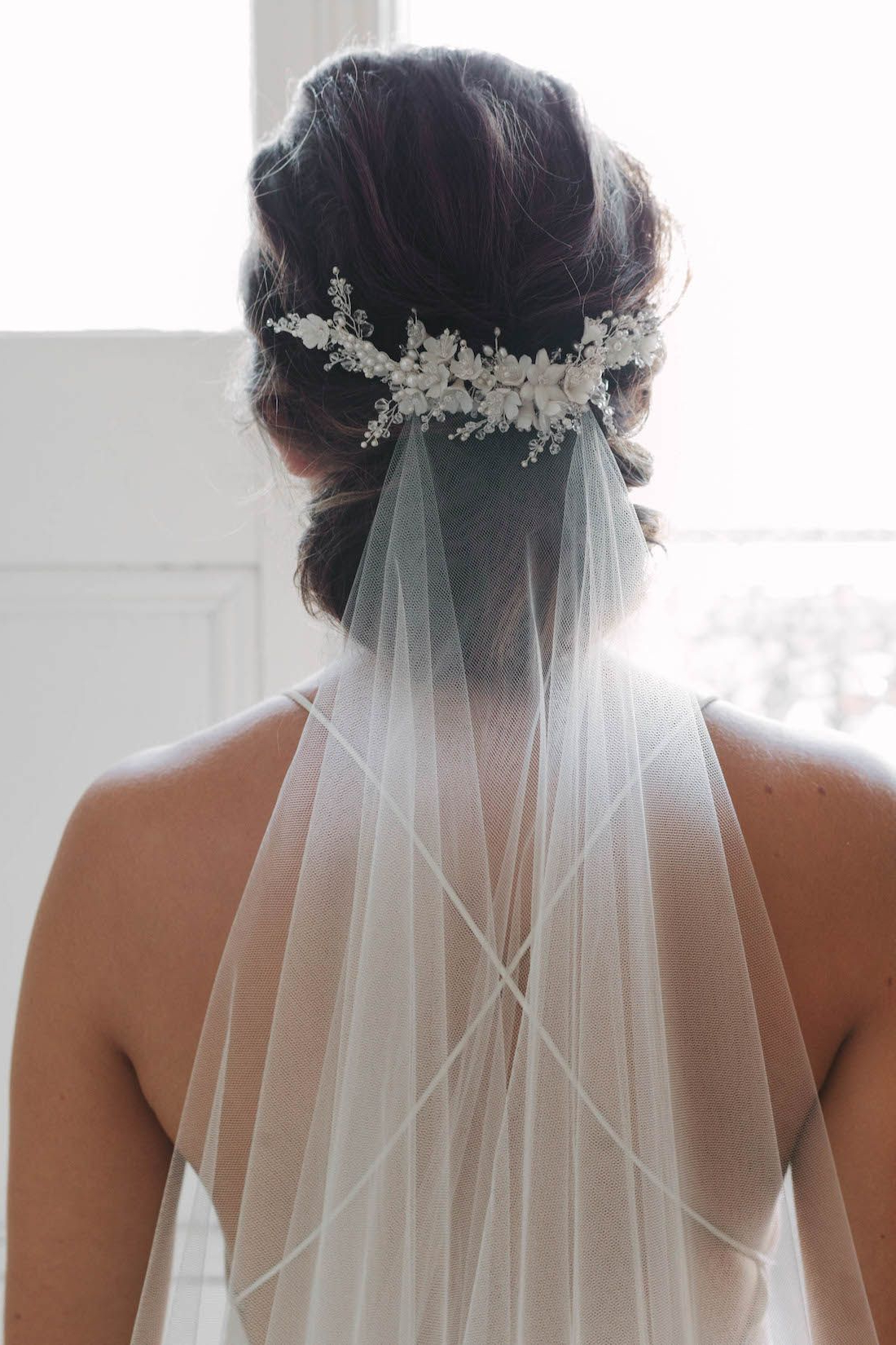 Delicate Floral Bridal Comb (Gallery 1 of 20)