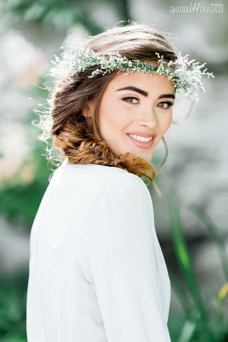 Elegantwedding.ca Inside Well Liked Bohemian And Free Spirited Bridal Hairstyles (Gallery 17 of 20)