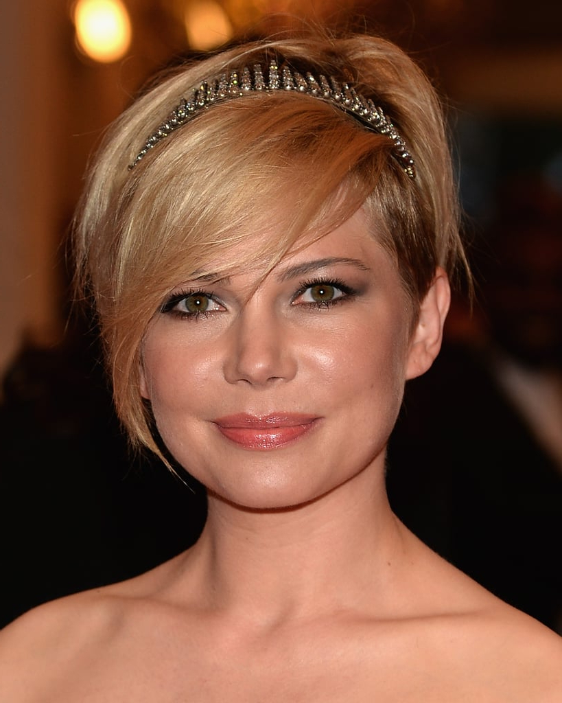 Famous Short And Sweet Hairstyles For Wedding In Wedding Hairstyles: Short And Sweet (View 18 of 20)