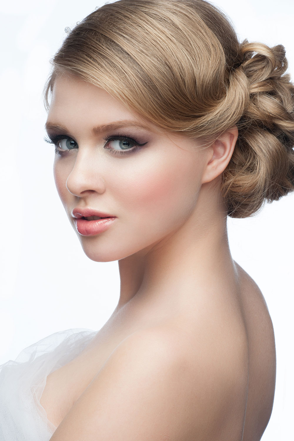 Famous Sides Parted Wedding Hairstyles Regarding Gorgeous Wedding Hairstyles For Ladies – Lightupmirrors (View 8 of 20)