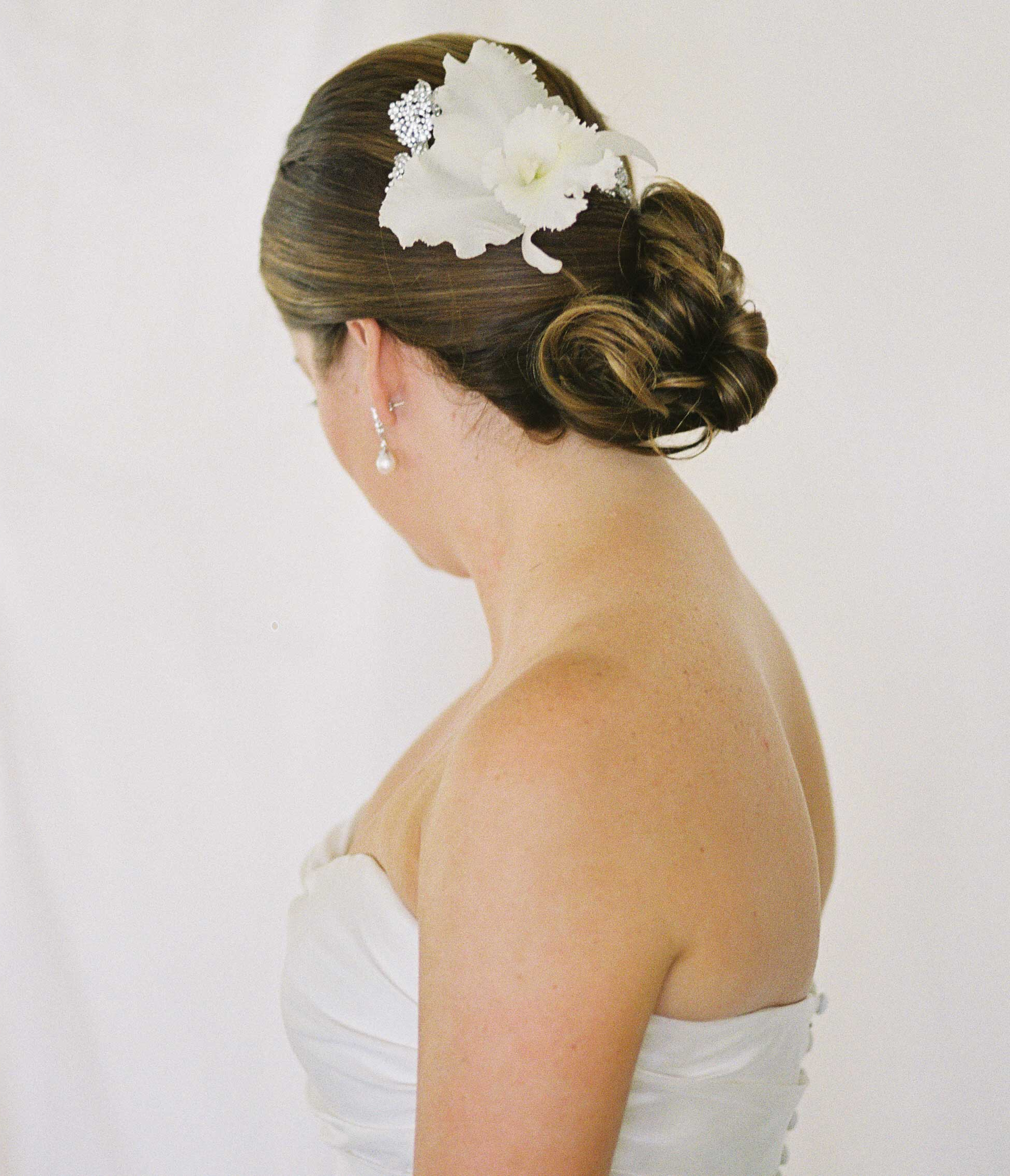 Hair Accessory Alternatives To Traditional Bridal Veils – Inside With Most Recently Released High Updos With Jeweled Headband For Brides (View 11 of 20)
