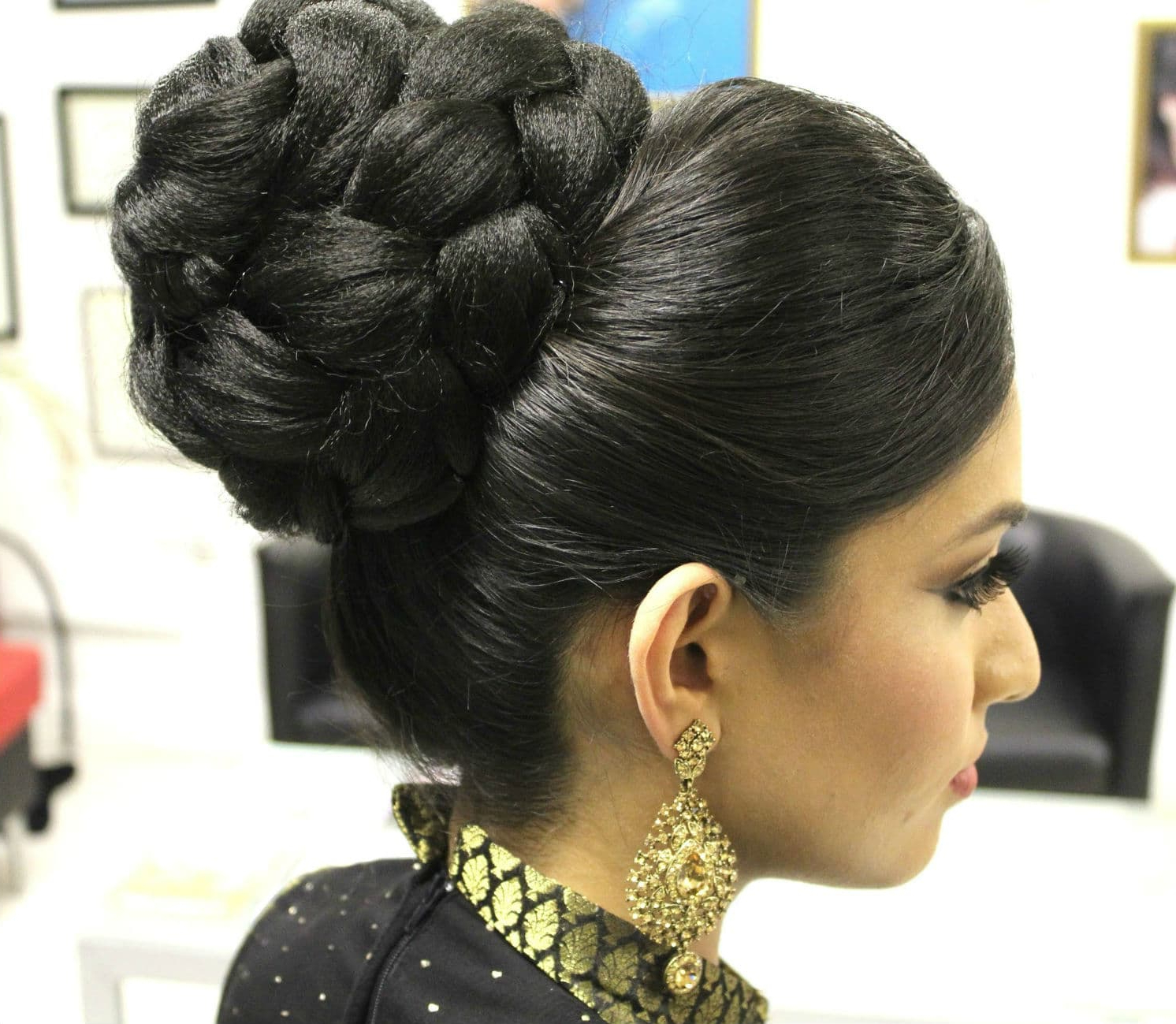 High Bun Hairstyle For Indian Bride (View 16 of 20)