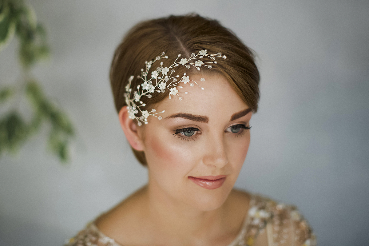 Love My With Fashionable Flower Tiara With Short Wavy Hair For Brides (View 9 of 20)