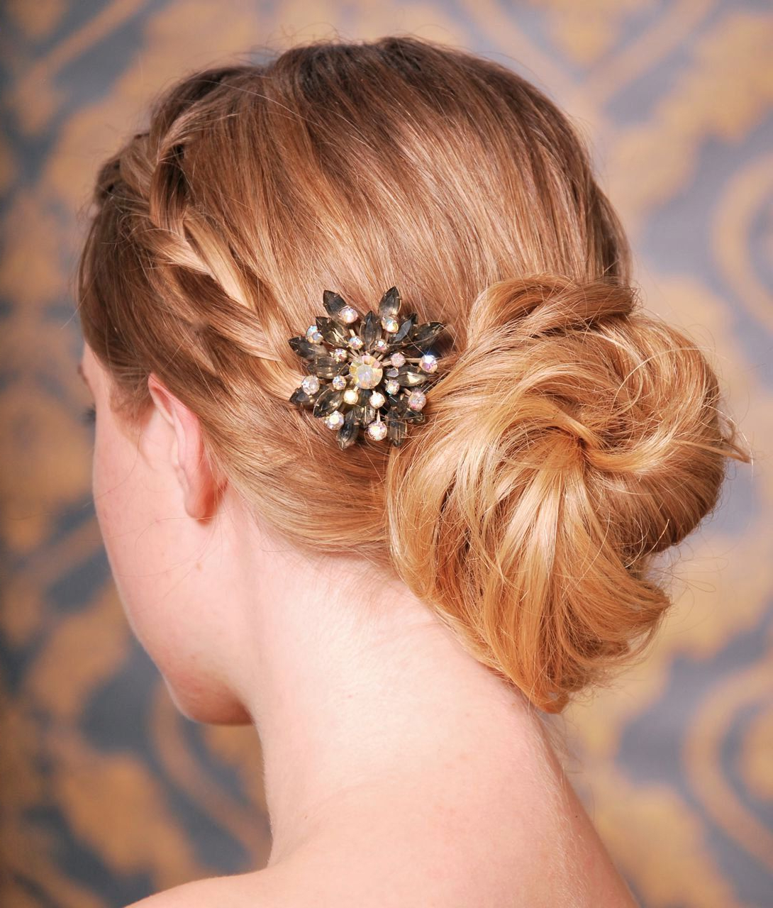 Low Twisted Bun With Vintage Hair Comb #vintage #accessory (View 14 of 20)