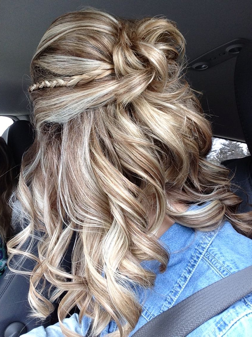 Most Current Half Up Curly Hairstyles With Highlights Pertaining To Mixing Tiny Braids Into Voluminous Hairstyles (View 17 of 20)
