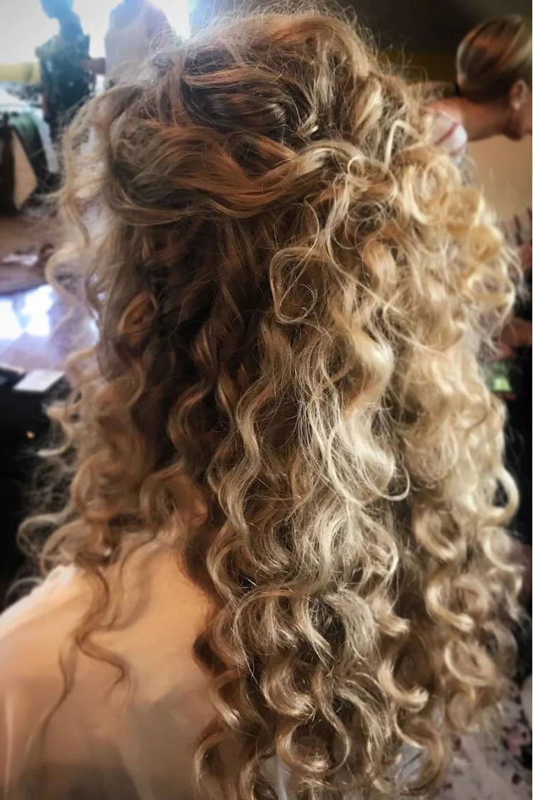 Most Current Tied Back Ombre Curls Bridal Hairstyles With Stunning Wedding Hairstyles For Naturally Curly Hair In (View 5 of 20)
