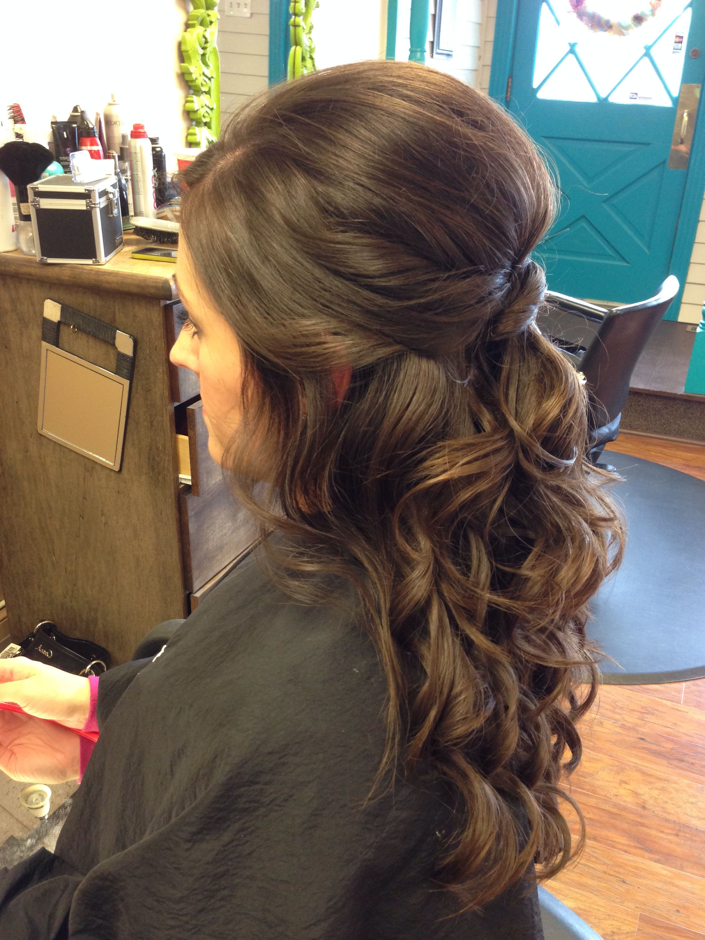 Most Current Twists And Curls In Bridal Half Up Bridal Hairstyles Intended For Wedding Hair – Half Up, Curly, Brunette, Twist #wedding #hair (View 6 of 20)