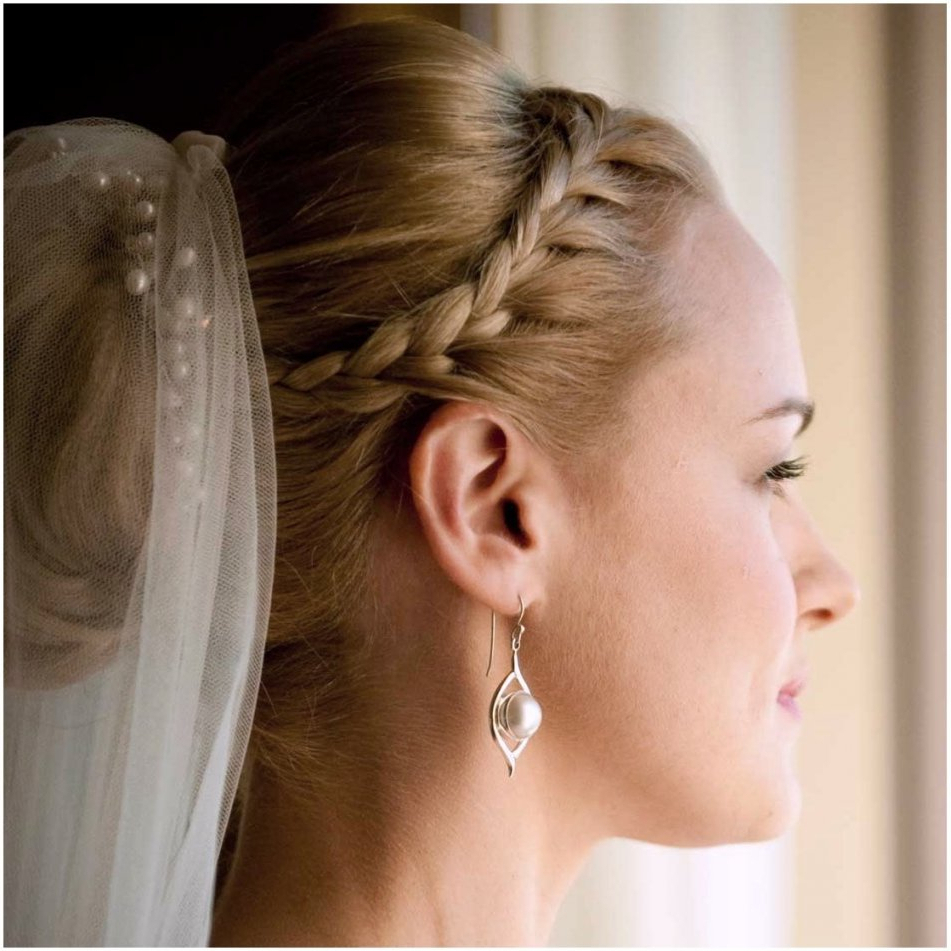 Most Recent Long Curly Bridal Hairstyles With A Tiara With Long Curly Wedding Hairstyles With Veil » Best Hairstyles & Haircuts (View 11 of 20)