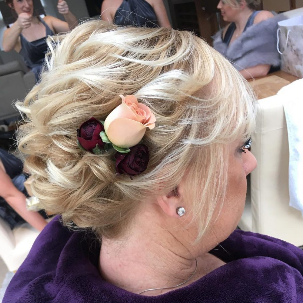 Mother Of The Bride Hairstyles: 24 Elegant Looks For 2019 Regarding Well Liked Curly Blonde Updo Hairstyles For Mother Of The Bride (View 6 of 20)