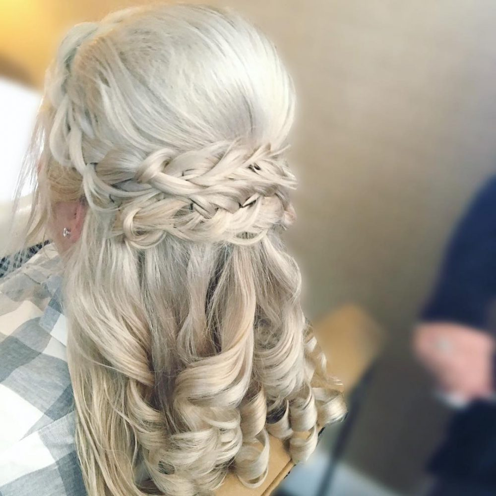 Mother Of The Bride Hairstyles: 24 Elegant Looks For 2019 Throughout Most Popular Easy Cute Gray Half Updo Hairstyles For Wedding (View 11 of 20)