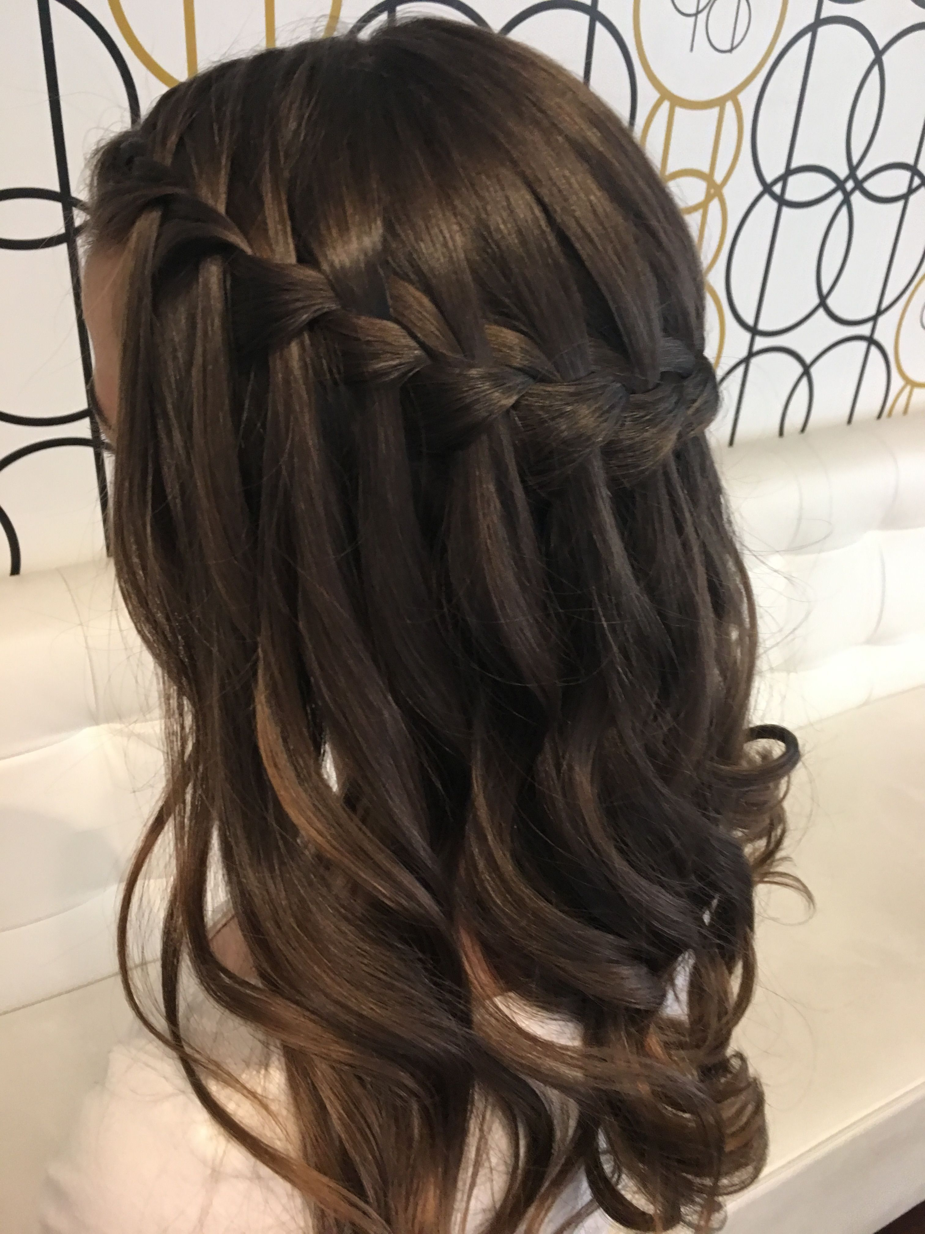 Newest Loose Curls Hairstyles For Wedding For Waterfall Braid With Loose Curls (View 10 of 20)