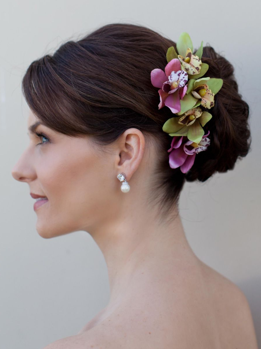 Pincandice Johnson On Yolatango Austin 2014 – Polynesian Milonga With Regard To Most Current Curly Wedding Hairstyles With An Orchid (View 10 of 20)