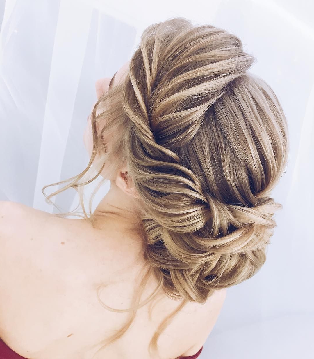Recent Destructed Messy Curly Bun Hairstyles For Wedding Inside Gorgeous Updo ,wedding Hairstyles ,messy Updo Hairstyle Ideas (View 17 of 20)