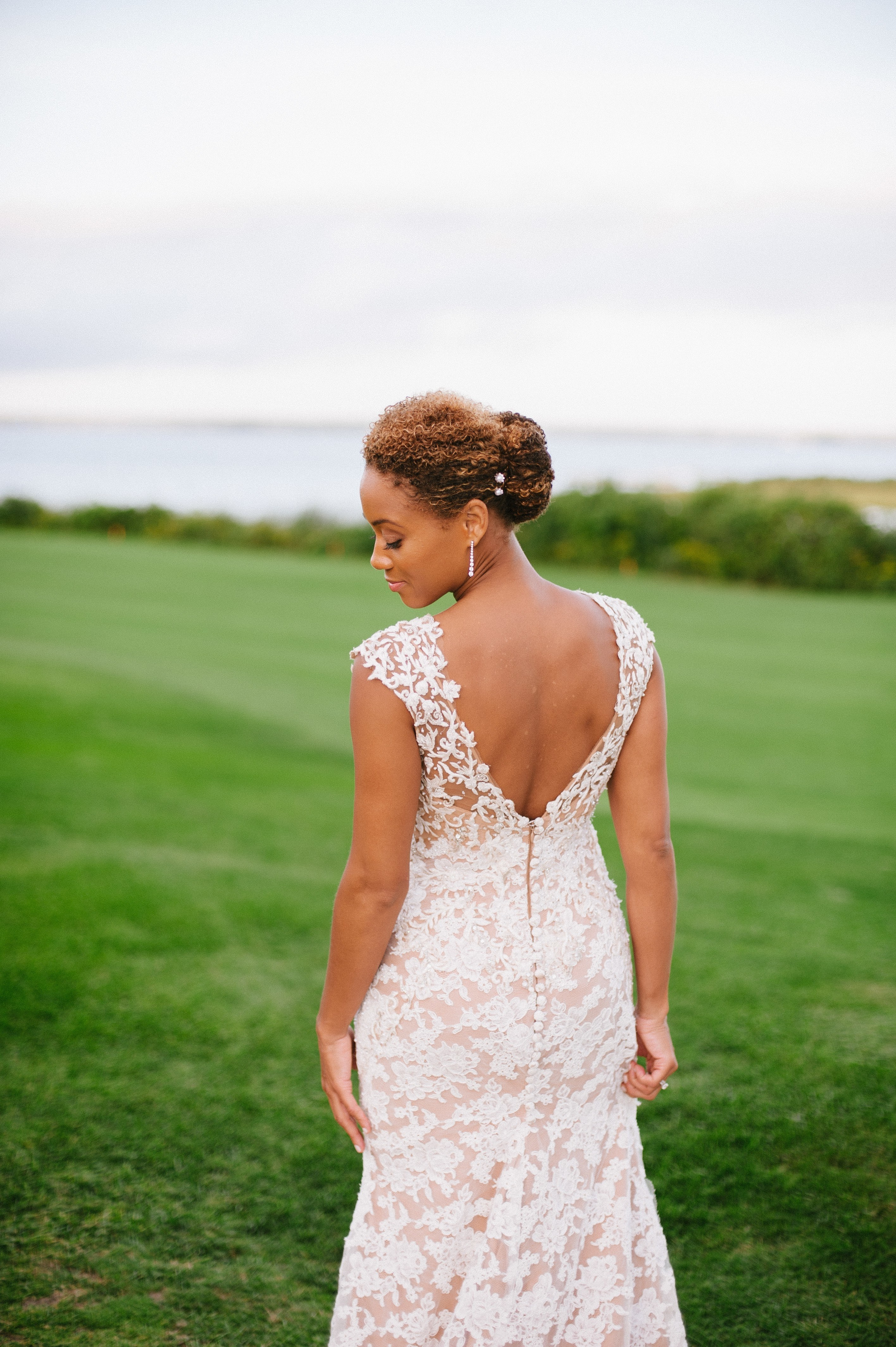 Widely Used Curly Bob Bridal Hairdos With Side Twists Pertaining To The 60 Prettiest Bridal Hairstyles From Real Weddings (View 10 of 20)