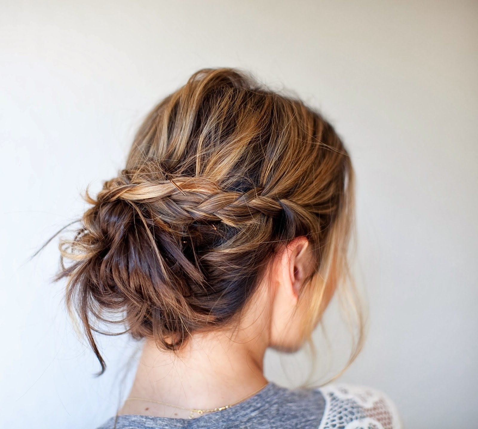 15 Gorgeous Prom Hairstyles Moms Can Do At Home (Gallery 18 of 20)