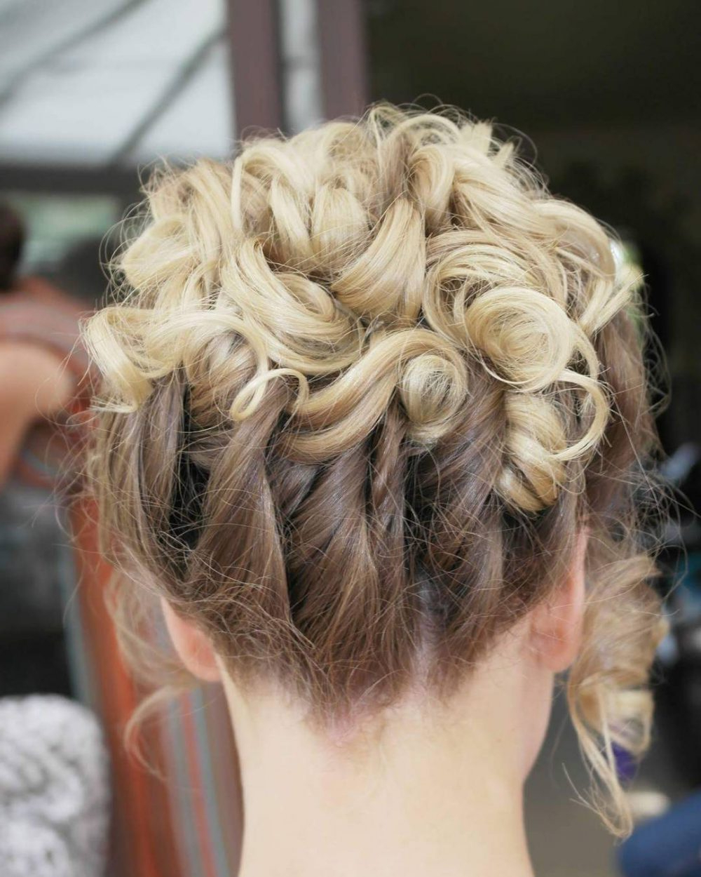 18 Stunning Curly Prom Hairstyles For 2019 – Updos, Down Do's & Braids! With Favorite Easy Curled Prom Updos (Gallery 10 of 20)