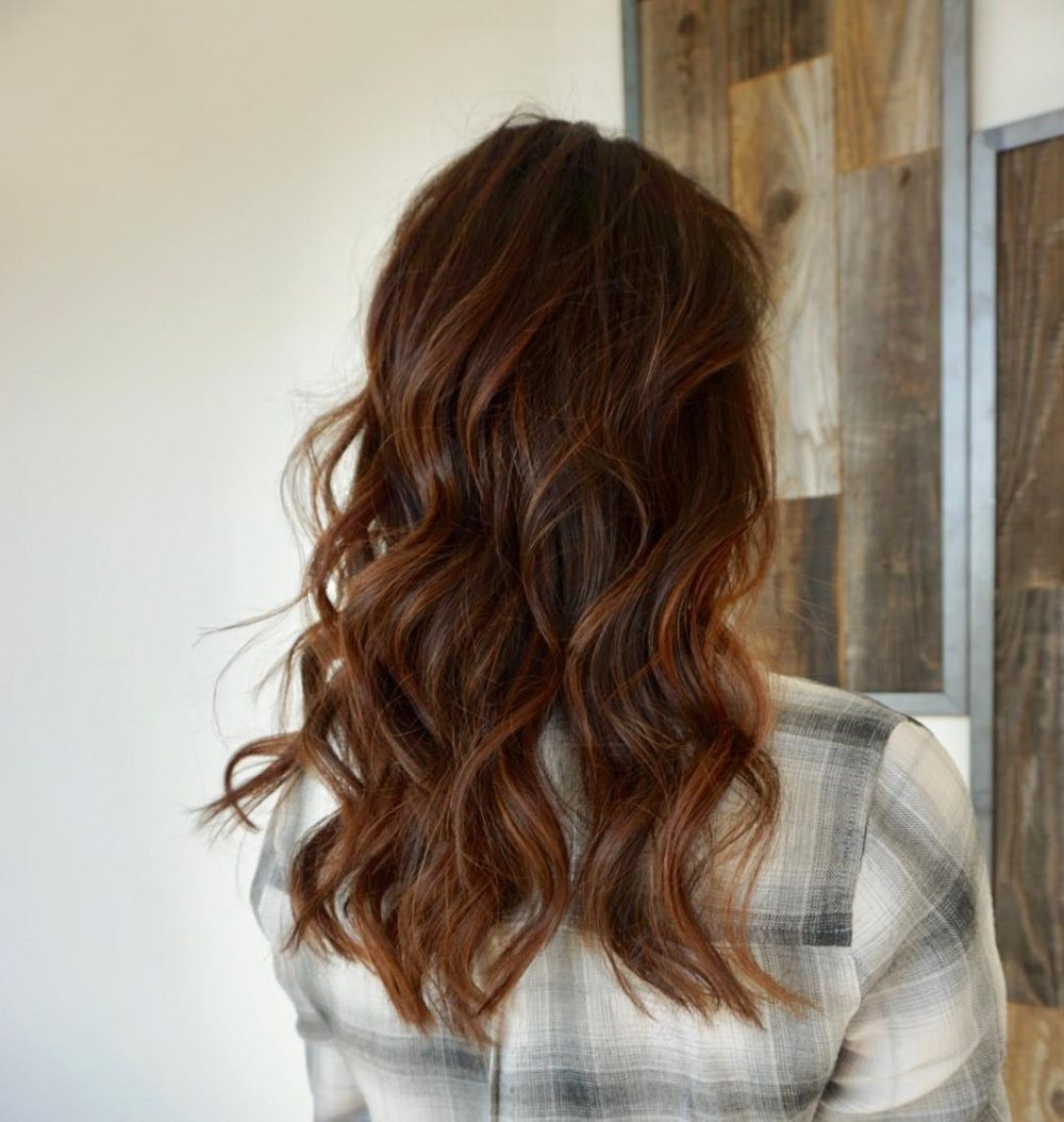 2019 Long Layered Brunette Hairstyles With Curled Ends For 24 Long Wavy Hair Ideas That Are Freaking Hot In (View 5 of 20)