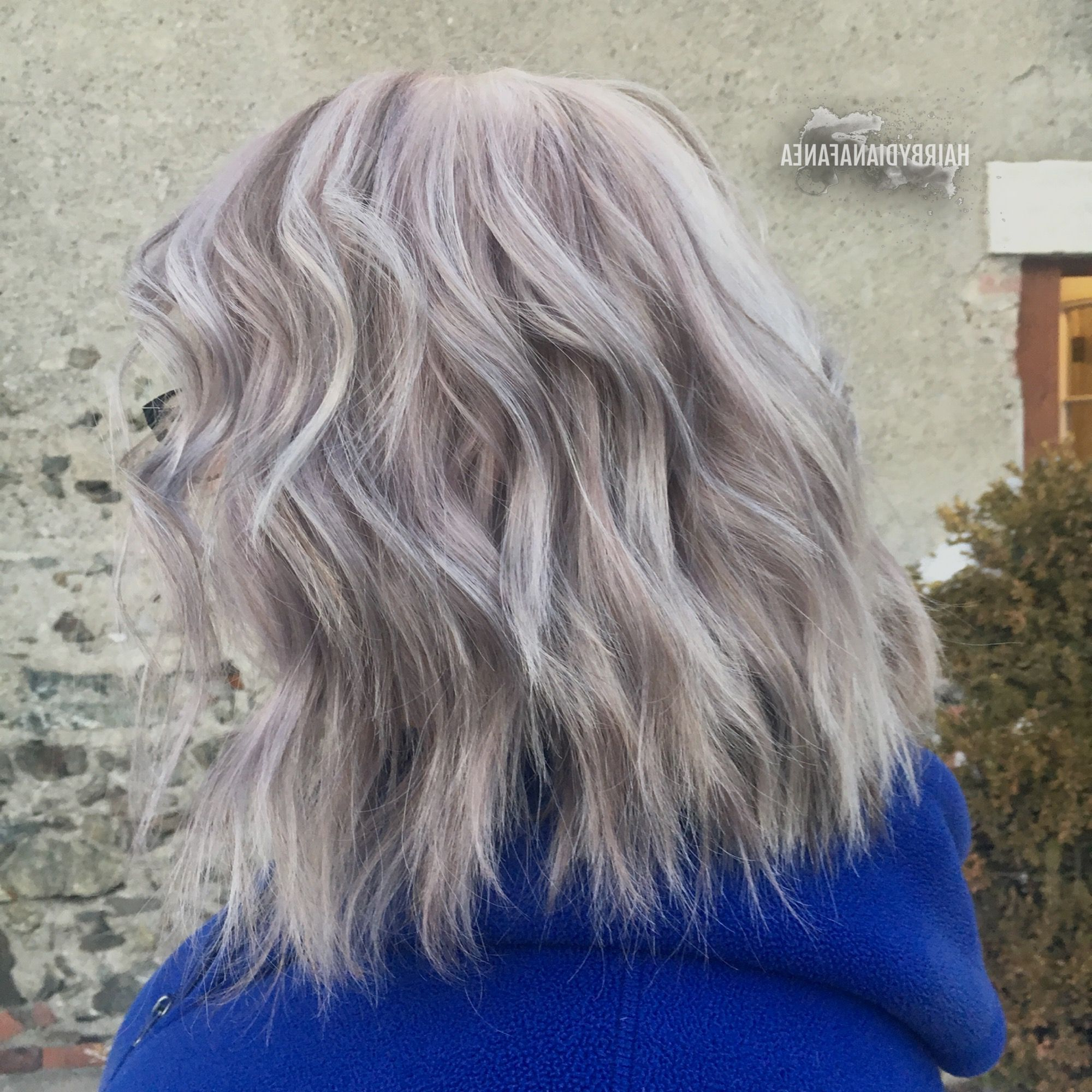 2019 Loose Layers Hairstyles With Silver Highlights Regarding Silver Hair Platinum Blonde Ash Blonde Beach Waves Blonde Highlights (View 9 of 20)