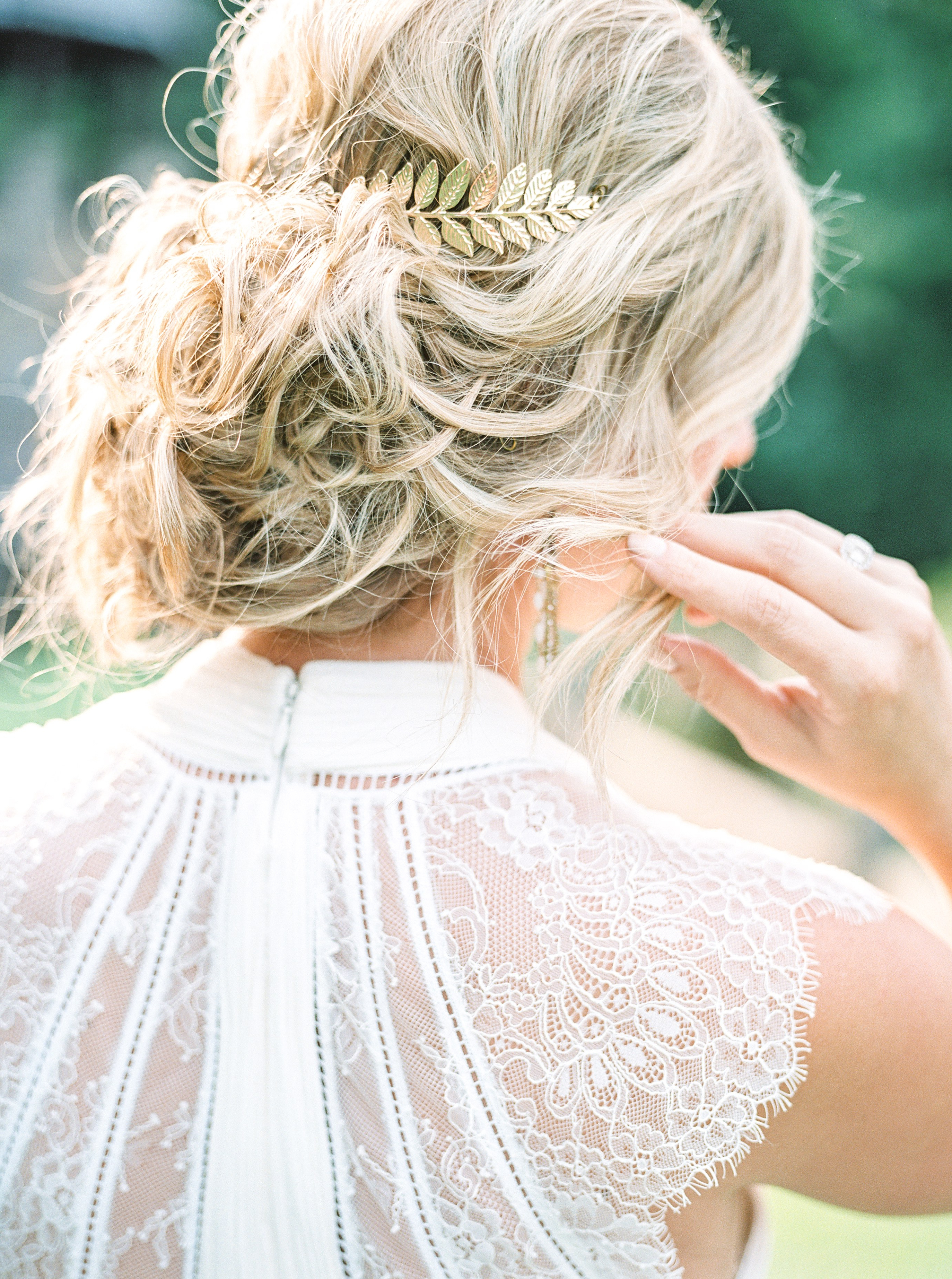 5 Bohemian Wedding Hairstyle Ideas And Accessories We're Totally Regarding Most Recent Messy Bun Prom Hairstyles With Long Side Pieces (View 18 of 20)