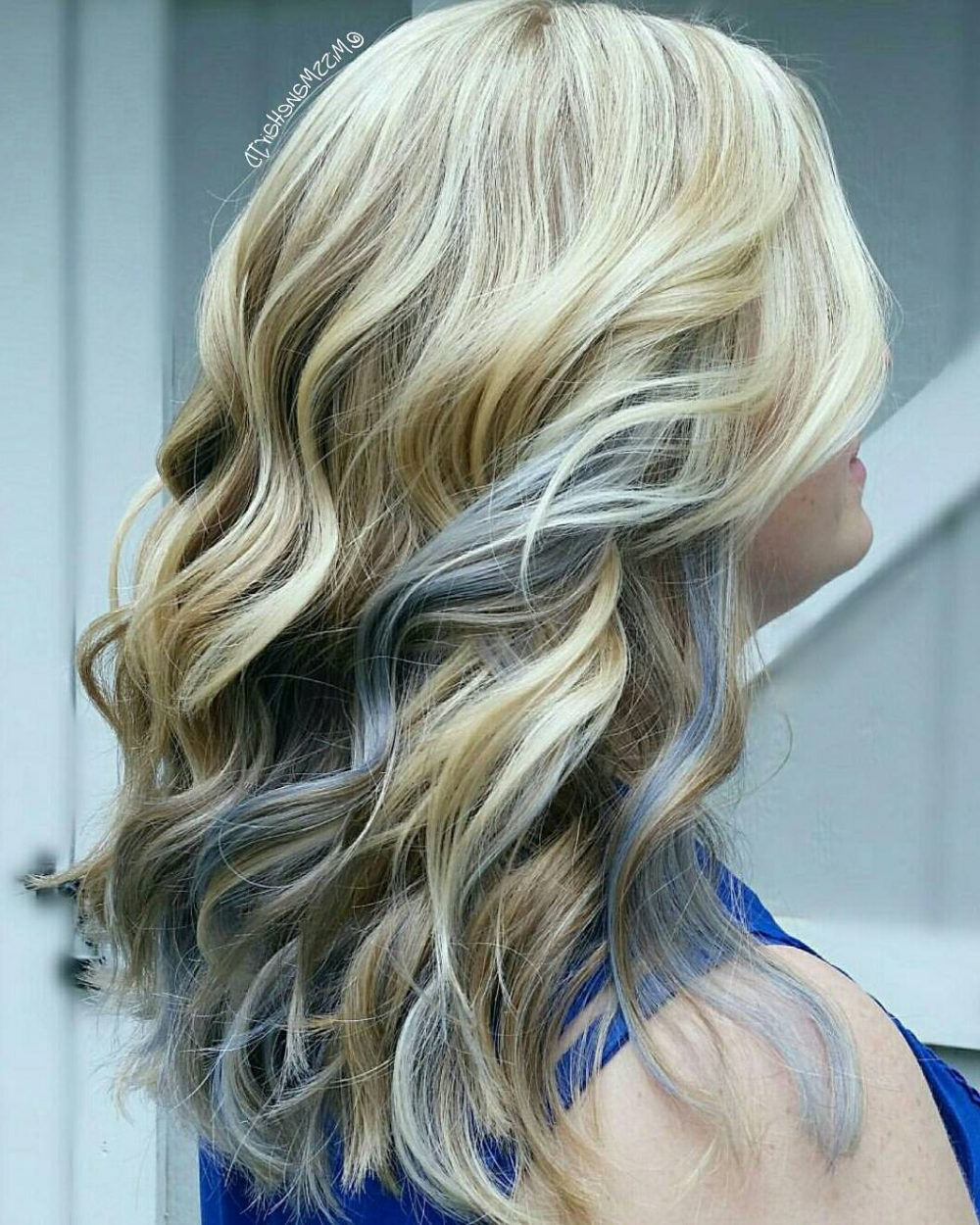 Current Loose Layers Hairstyles With Silver Highlights With Regard To 25 Cutest Peekaboo Highlights You'll See In (View 13 of 20)