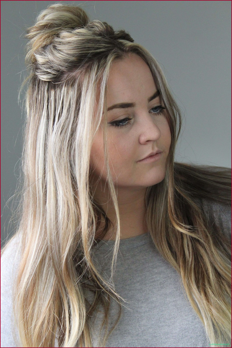 Messy Bun Hairstyle For Prom Intended For Most Current Spirals Side Bun Prom Hairstyles (View 11 of 20)
