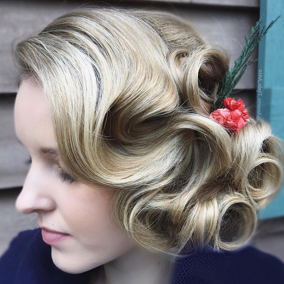 Featured Photo of Flowing Finger Waves Prom Hairstyles