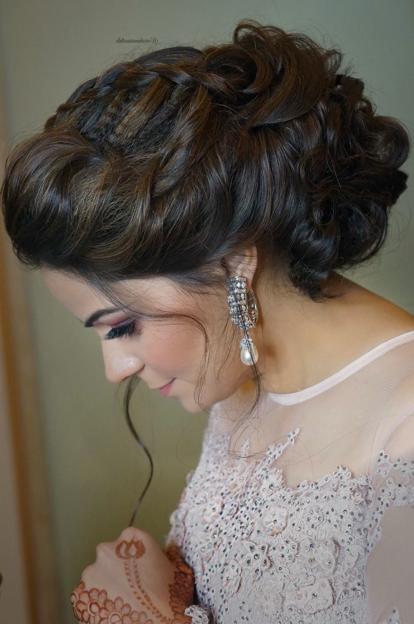 Nidhi👰🏼💍 Looking Gorgeous With Braided Messy Bun 💍💄 Hair Pertaining To Well Liked Side Bun Prom Hairstyles With Black Feathers (View 13 of 20)