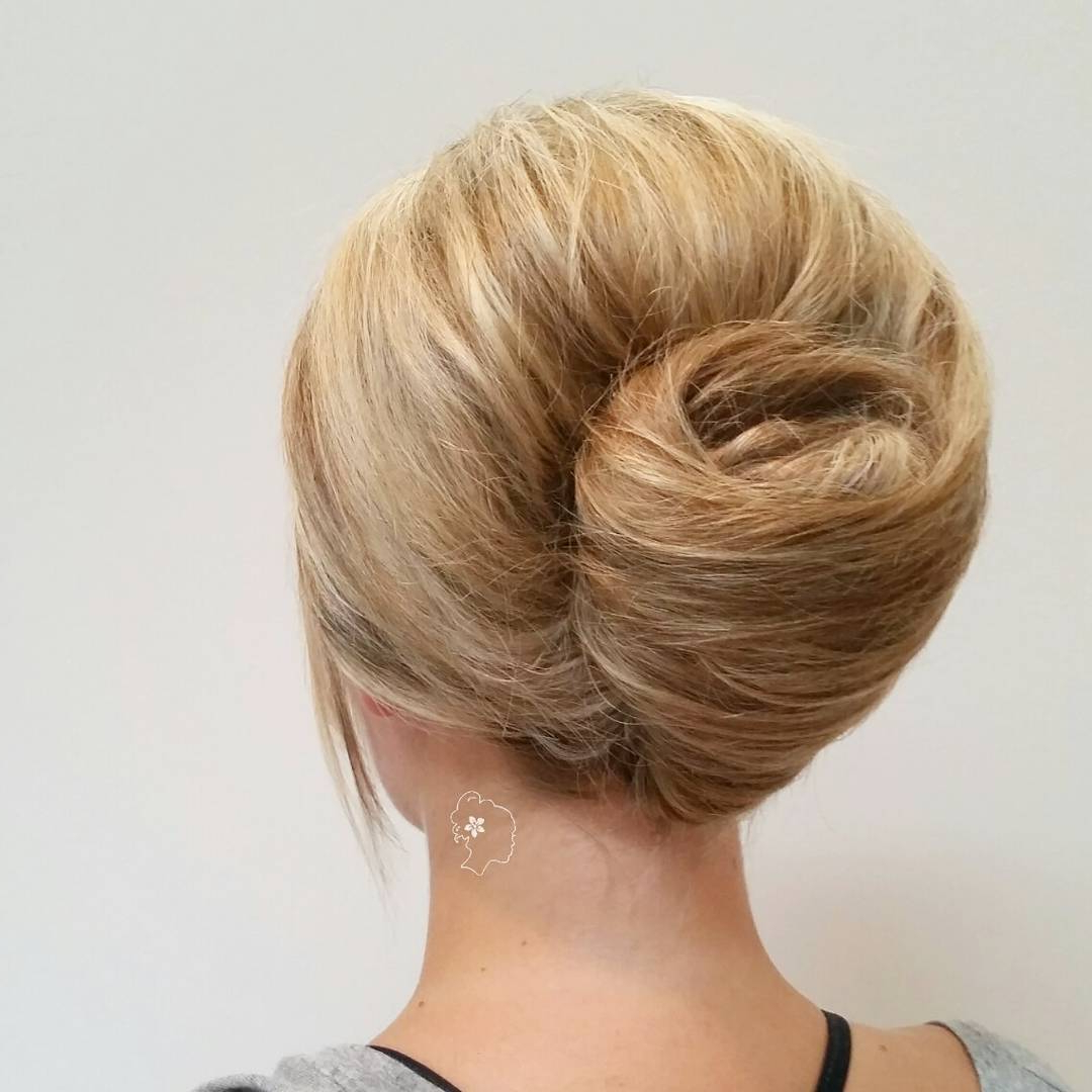 Prom Hairstyles: 15 Utterly Amazing Hairstyles For Prom With Well Liked Classic Roll Prom Updos With Braid (View 16 of 20)