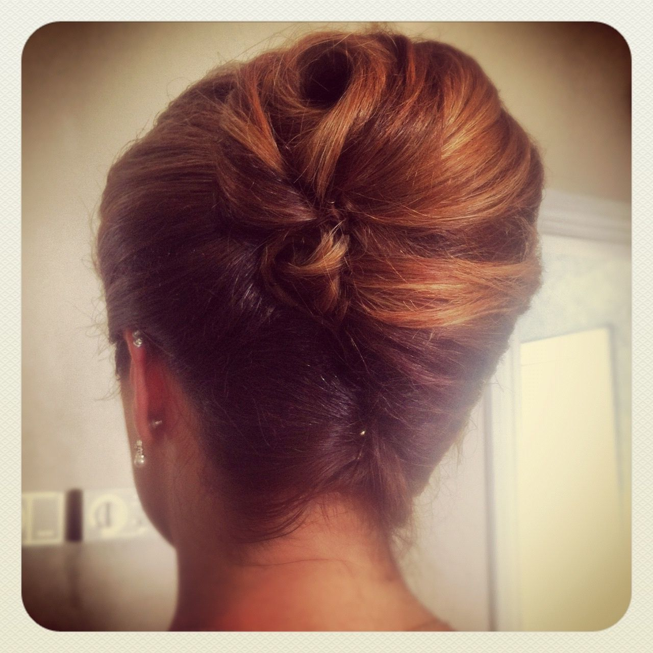 Recent Classic French Twist Prom Hairstyles With Classic French Twist, Wedding Hairstyles , Elegant Hairstyles (View 17 of 20)
