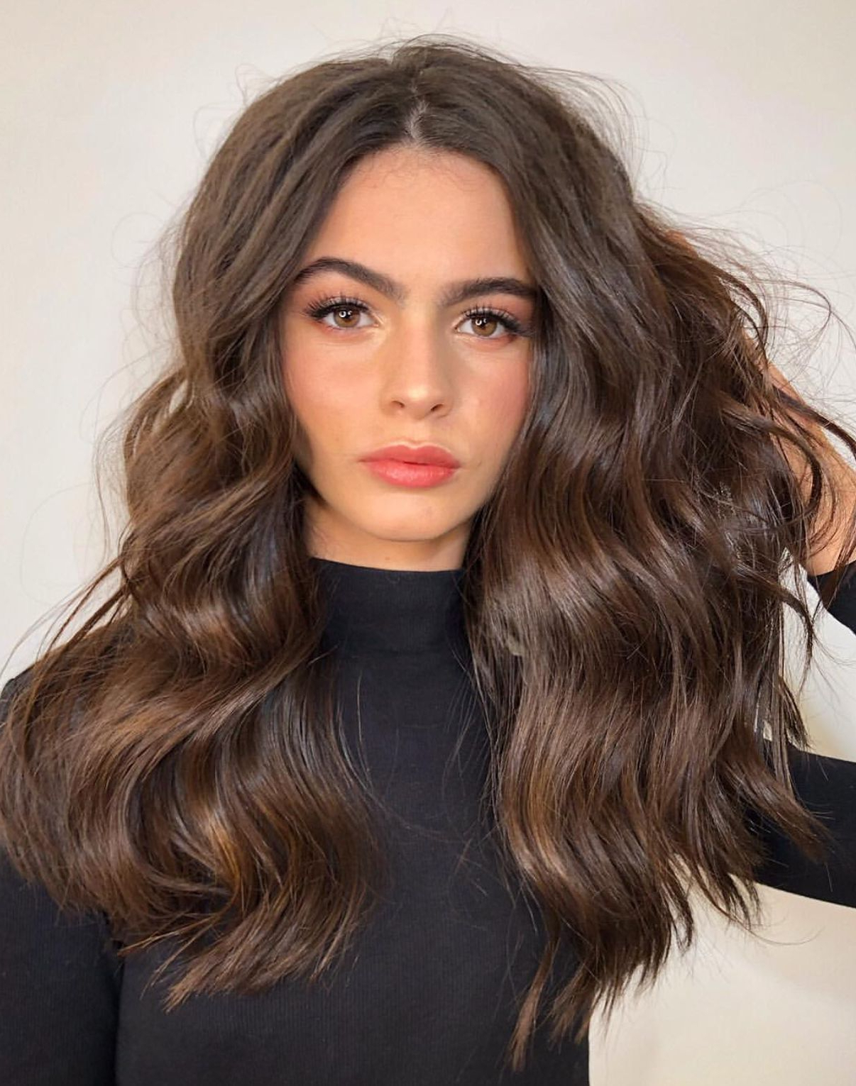 Voluminous Hair With Messy Soft Waves 🔥 #hairstyles (Gallery 1 of 20)