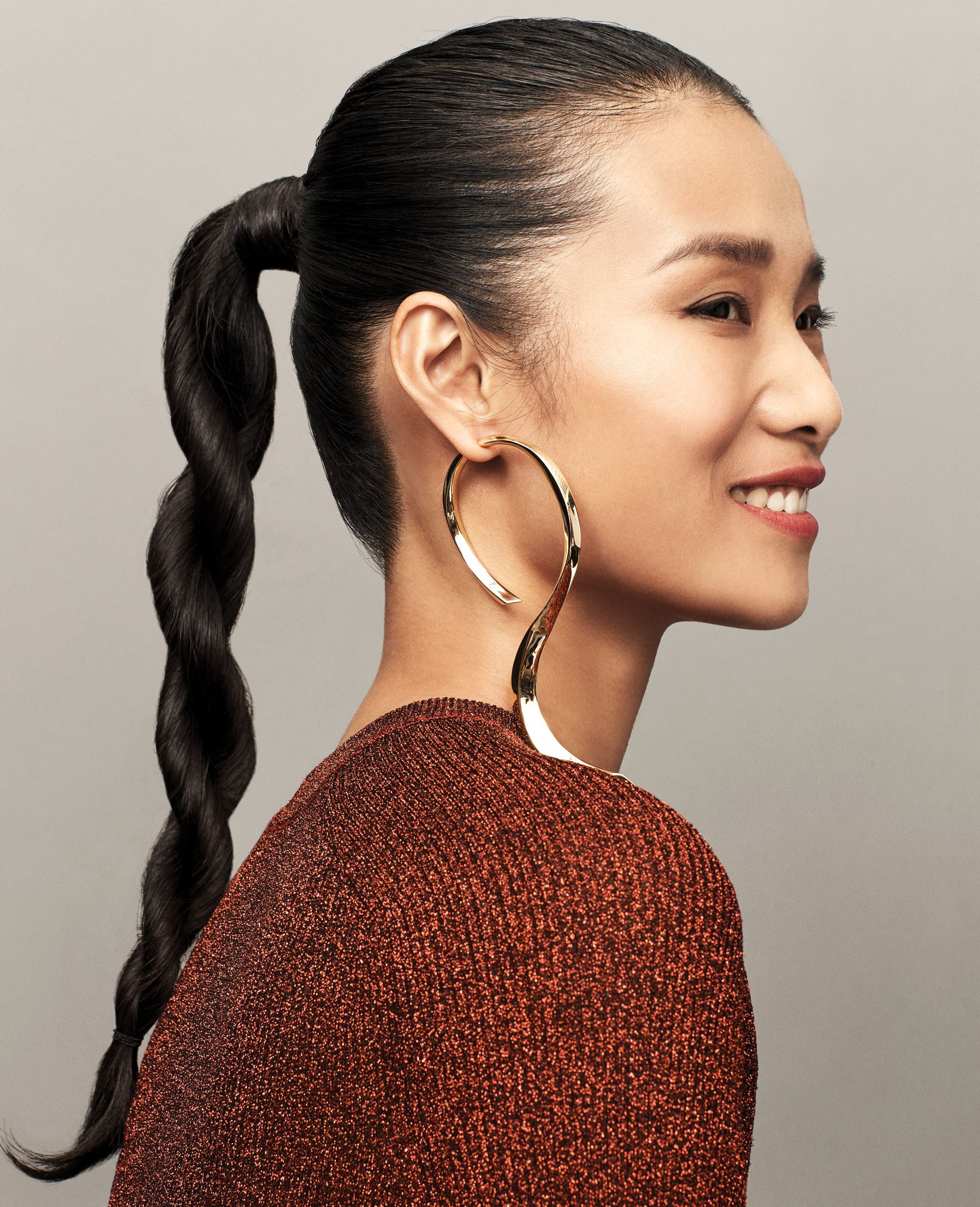 2018 Chain Ponytail Hairstyles Throughout The Best Statement Earrings (And Hairstyles) To Wear To A Holiday (View 1 of 20)