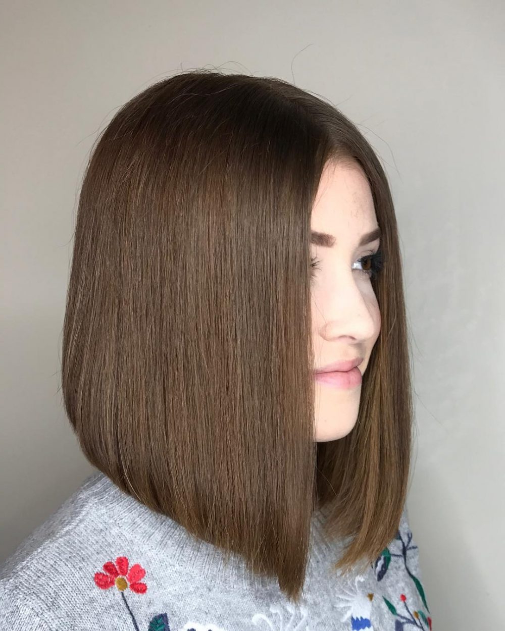 24 Flattering Middle Part Hairstyles In 2019 With Widely Used Long Bob Middle Part Hairstyles (View 4 of 20)