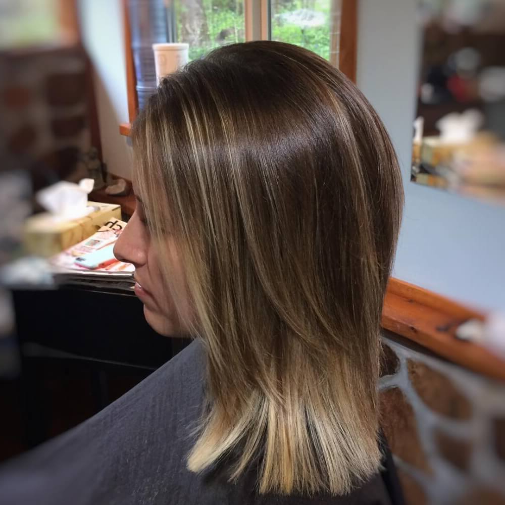 51 Stunning Medium Length Layered Haircuts & Hairstyles For 2019 Throughout Most Up To Date Medium Haircuts With Soft Layers (Gallery 5 of 20)