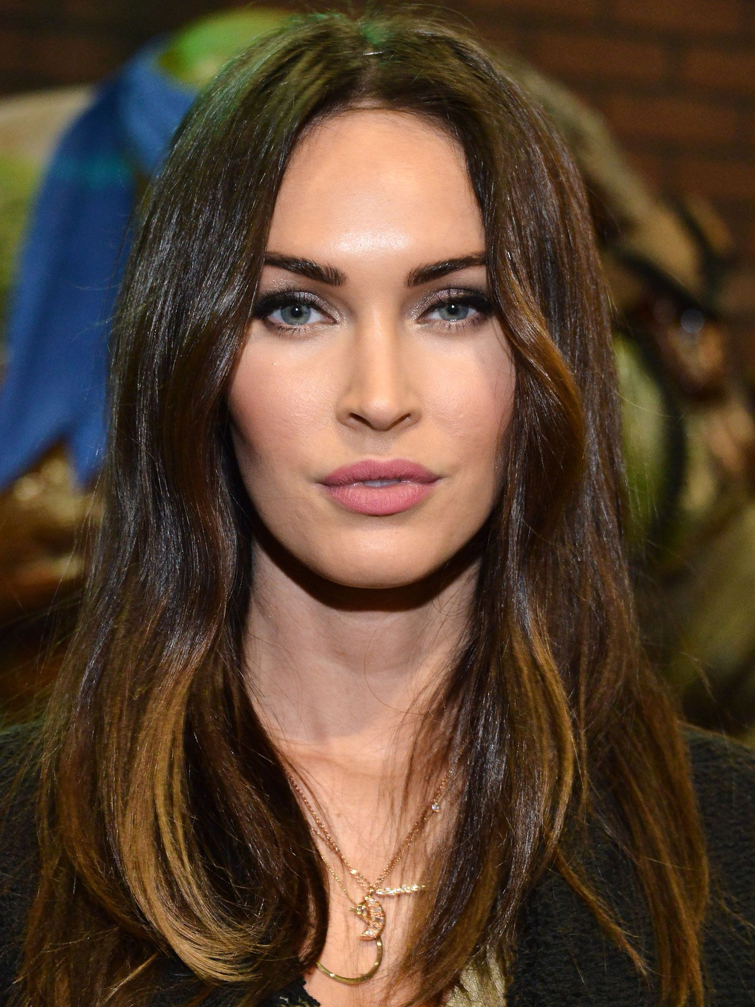 Best Hairstyles For Oval Faces – 10 Flattering Haircuts For Long Intended For Widely Used Deep Side Part Hairstyles For Oblong Face (View 3 of 20)