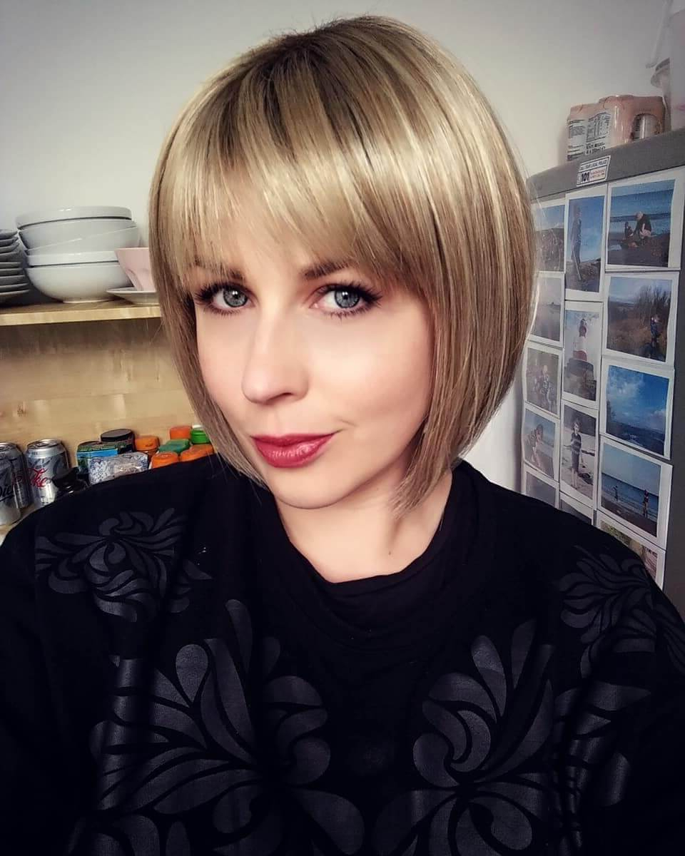 Current Bob Hairstyles With Full Fringe In 30 Various Bob Haircuts With Bangs – Get A New Look (View 11 of 20)