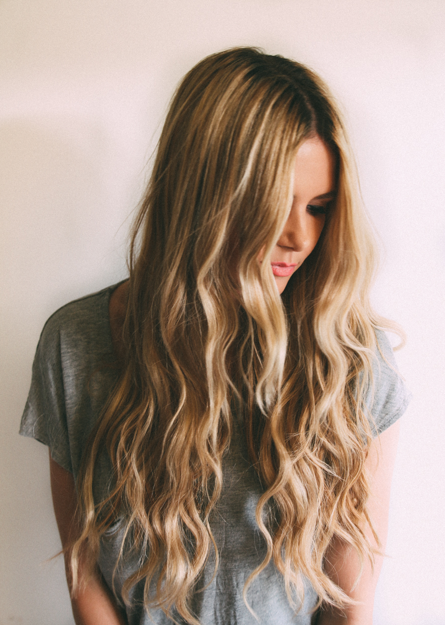 Current Perfect Loose Waves Hairstyles For Long Faces Regarding 35 Gorgeous Styles To Get Beach Waves In Your Hair – Haircuts (View 9 of 20)
